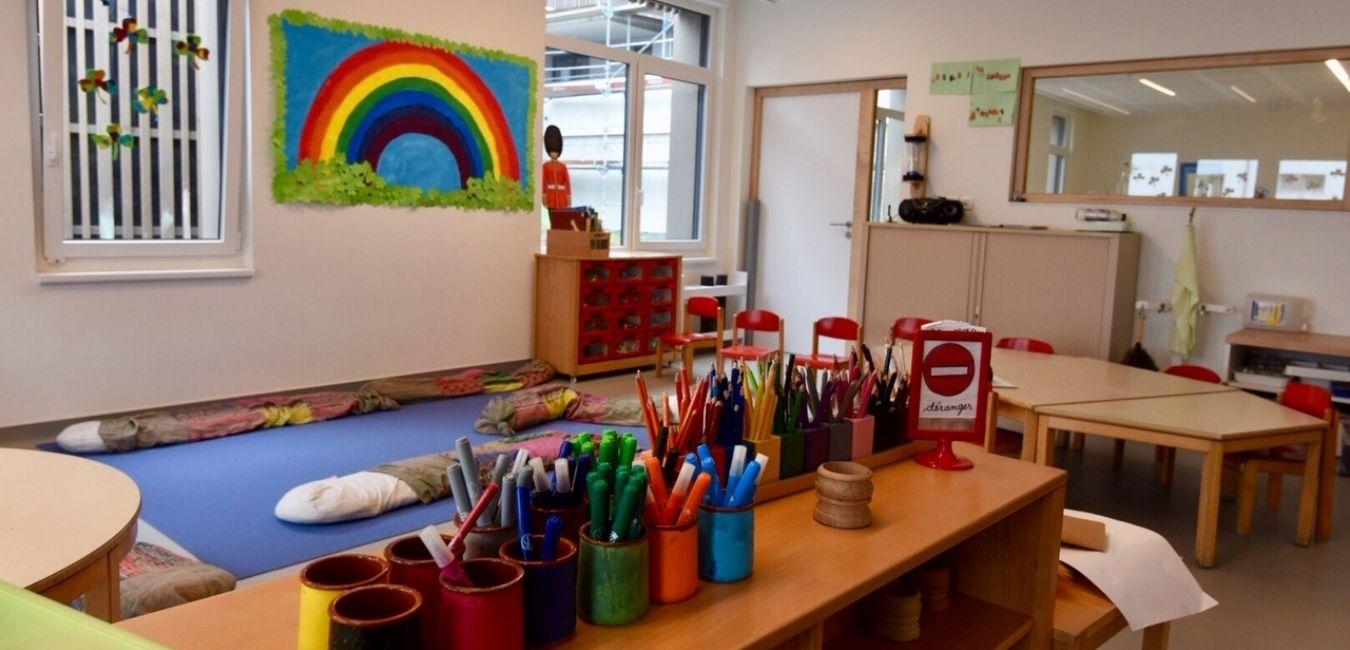 Au rez-de-chaussée du programme « le Jouvence » à la Meinau, ouverture d'un équipement de petite enfance bilingue, géré par l'association « Playgroup », proposant 60 places d'accueil pour des enfants de 3 à 6 ans.